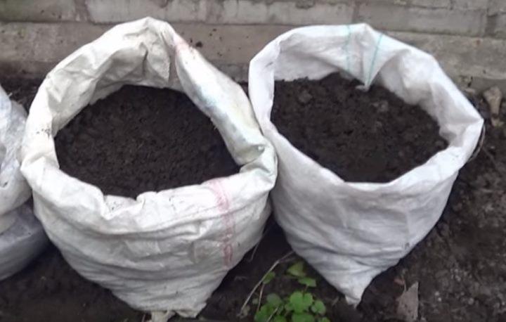 Подготовка мешков для посадки картошки