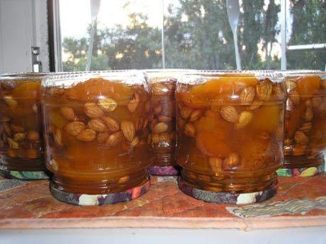 консервированный абрикос с косточками