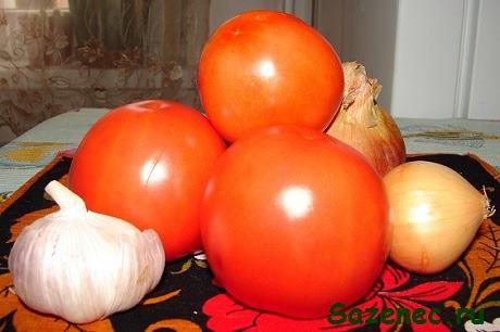 томаты, лук и чеснок